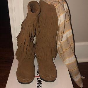 Minnetonka 3-tier fringe boots.